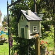 photo client jardin wildlife garden nichoir et mangeaoire